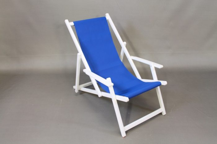 beach chair white blue carpet