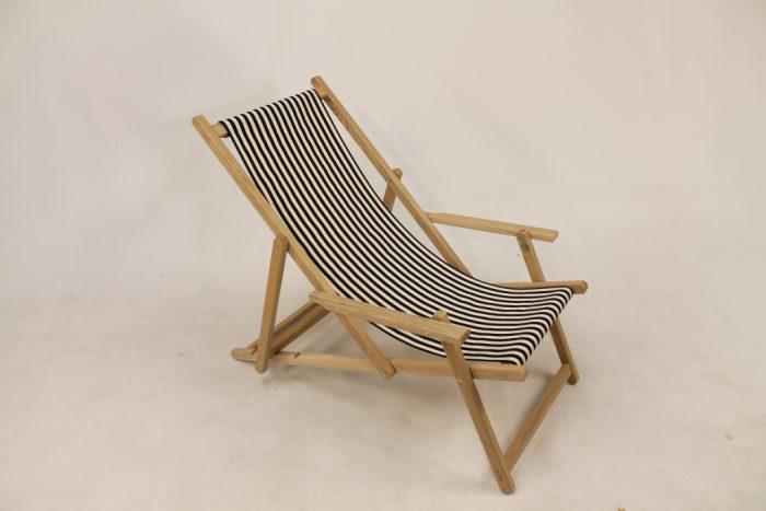eiken houten strandstoel katoenen loper zwart wit