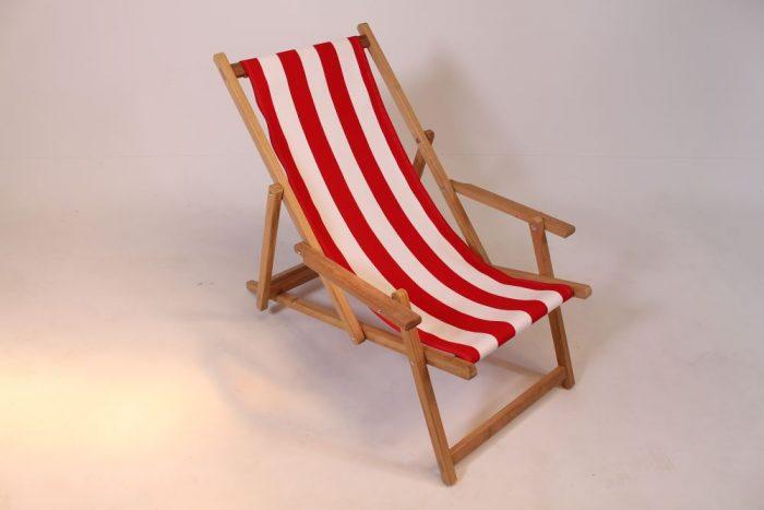 Hardhouten strandstoel iroko met rood witte loper